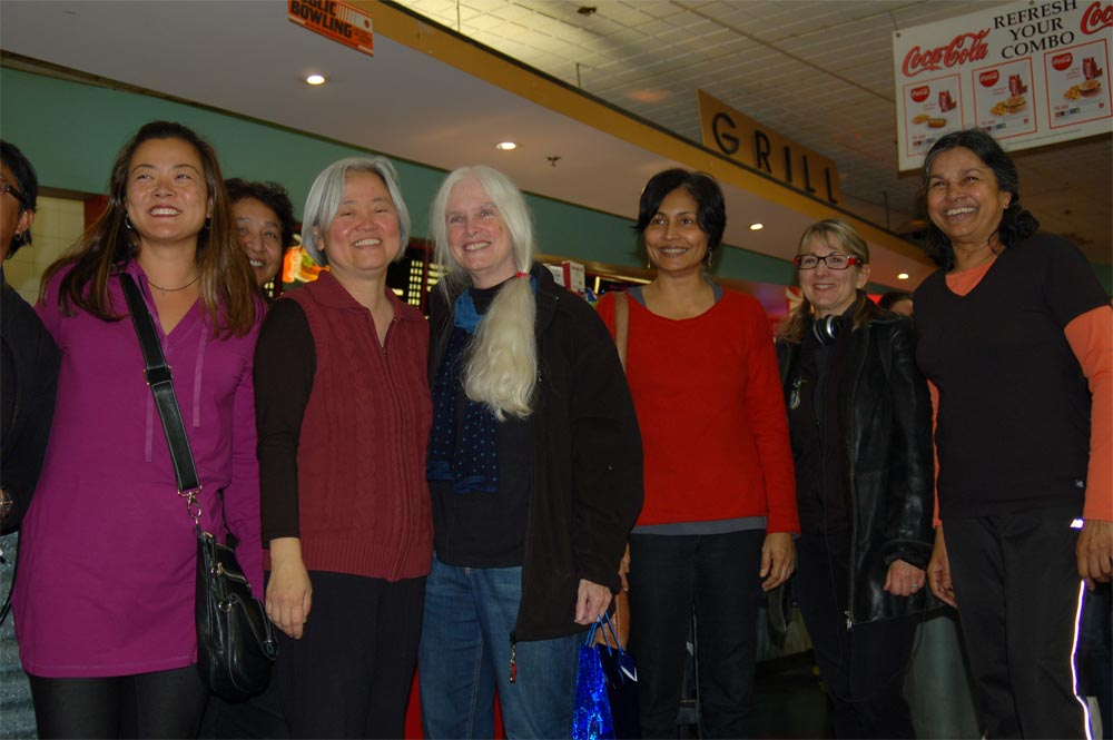 All the Draggin Ladies - Jenny, Winnie, Carolyn, Aparna, Doreen and Premila